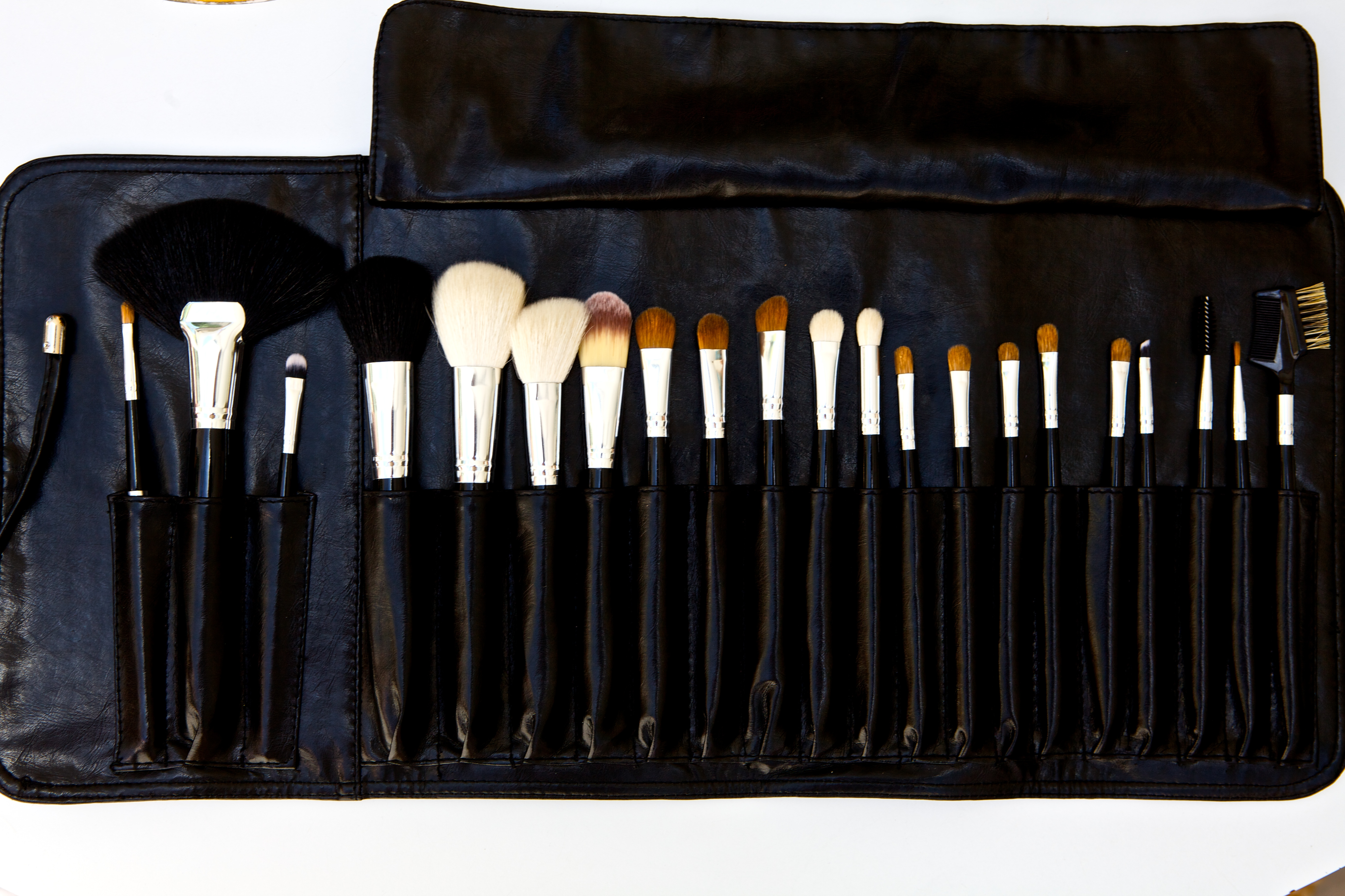 Best Way Clean Your Brushes Home